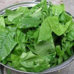 800px-Spinach_leaves